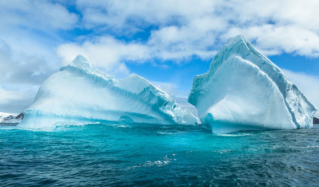 Adventurous take a friend to antarctica for Can you go to antarctica