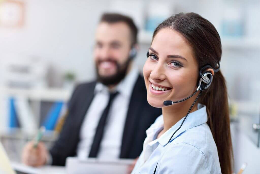 Picture showing woman in call center